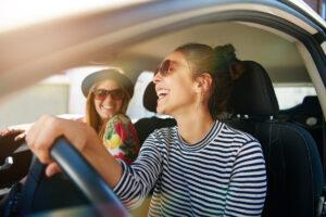Mejores seguros de coche para jóvenes de menos de 25 años: Cotizaciones y Descuentos (2021)