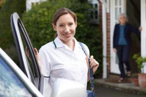 Seguros de auto para enfermeras y para profesionales de la salud (2021)