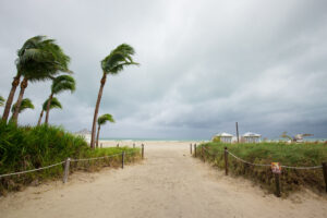 Hurricane Deductible in Florida: 6 Things Homeowners Need to Know (2020)