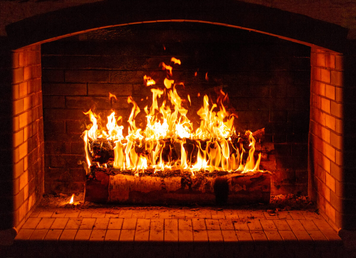 20 Best Fireplace Safety Tips for Homeowners (2021)